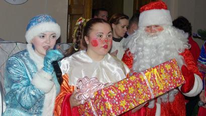 Каждый ребёнок, принимающий участие в акции, получит тот подарок, который просил у Деда Мороза