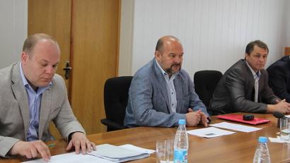 Игорь Орлов предложил заинтересованным сторонам, присутствующим на совещании, выработать решение, которое позволит кардинально решить проблему