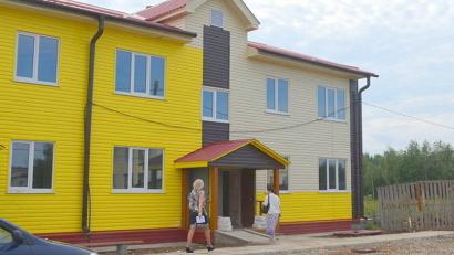 В дом на улице Чапаева уже заселяются семьи переселенцев. Фото газеты «Каргополье»