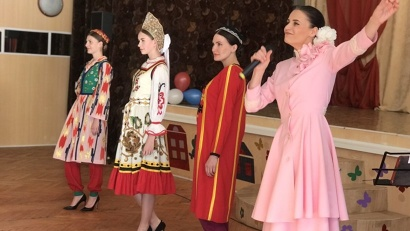 Модели одежды стран бывшего Советского Союза были сшиты специально к главному событию 1980 года – летней Олимпиаде в Москве