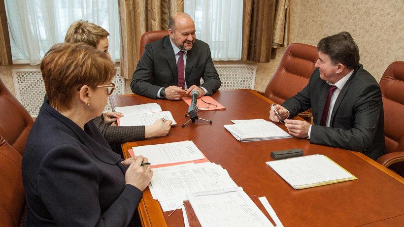 Рабочая встреча Игоря Орлова с главой Коношского района Олегом Реутовым