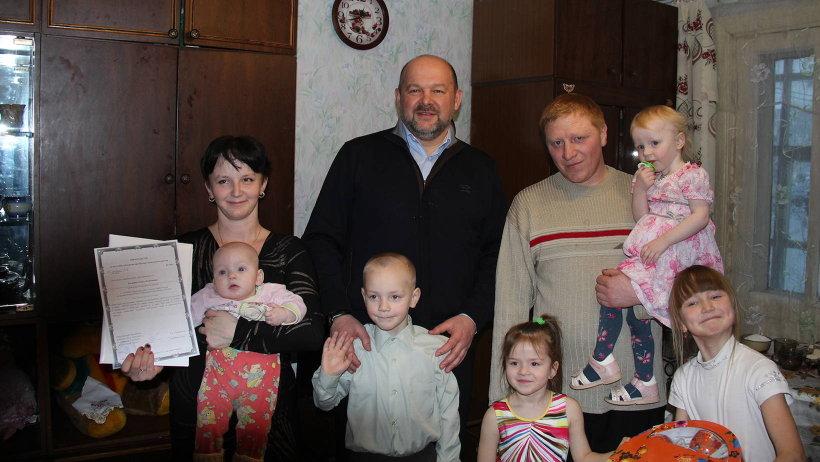 Игорь Орлов: «У такой семьи обязательно должен быть автомобиль, большой дом и земля, на которой можно трудиться»