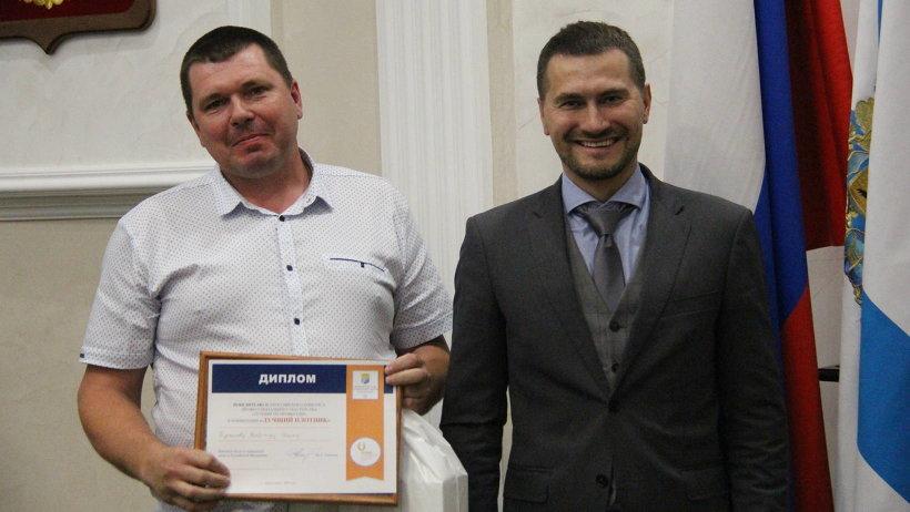 Победителем конкурса в номинации «Лучший плотник» признан Владимир Бурминов из Воронежской области