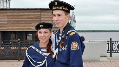 В списке выпускников Морского кадетского корпуса 2015 года - 16 молодых людей и три девушки