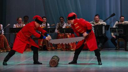 В программе «Мы любим тебя, Архангельск!» звучат новые песни из репертуара Северного хора