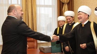 Игорь Орлов пригласил муфтия Равиля Гайнутдина приехать в Архангельск еще раз на открытие новой мечети