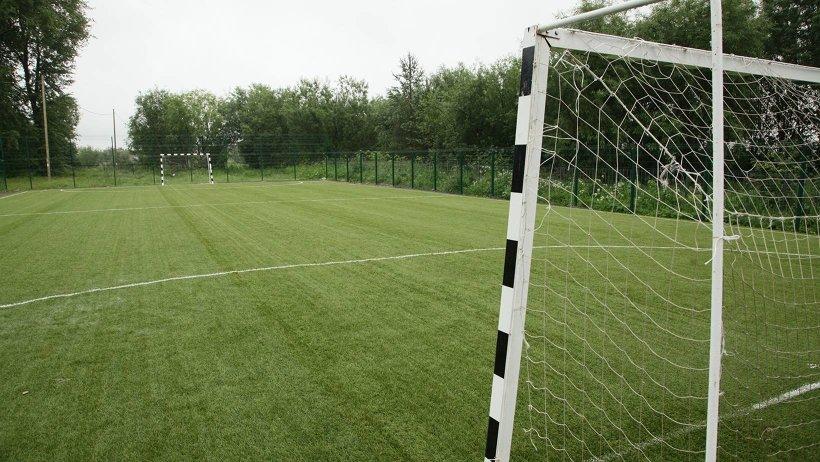 Новое футбольное поле Заостровской средней школы