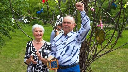 Семейные юбиляры Виталий и Мира Бурковы недавно отметили изумрудную свадьбу