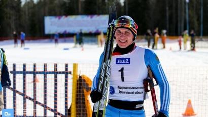Победитель «Поморского марафона» Алексей Шемякин пробежал 50 километров за 2 часа 14 минут и 37 секунд.