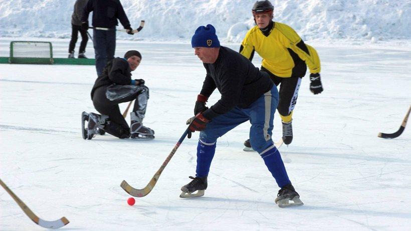 В состав каждой команды организаторами турнира будут включены по одному игроку команды суперлиги «Водник» или ее молодёжного состава