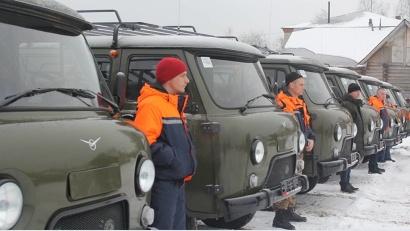 Новые УАЗы предназначены в первую очередь для доставки к местам пожаров оперативных сил и оборудования