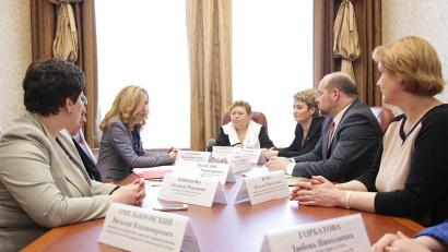 Встреча губернатора с Натальей Стадченко и Валерием Рязанским прошла в рамках форума «Медицина Поморья: опыт, достижения, перспективы»