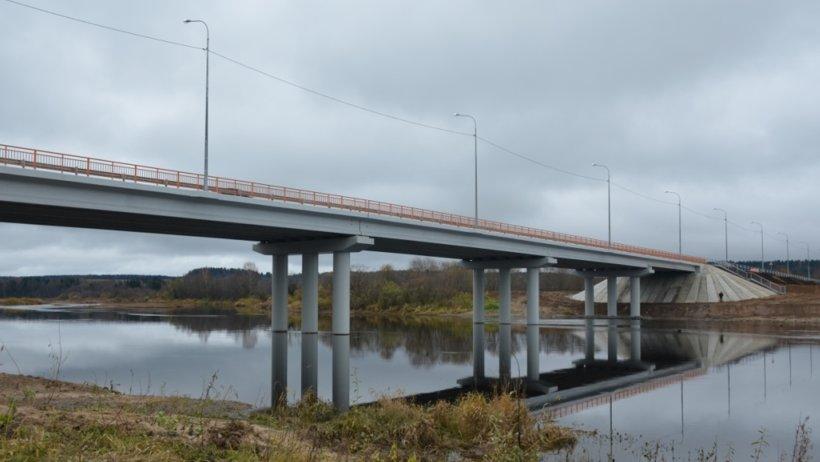 Новый мост не имеет ограничений по грузоподъёмности и не боится паводка и сильных ледоходов