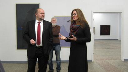 Игорь Орлов обсуждает с Ольгой Поповой вопрос об организации всероссийской выставки