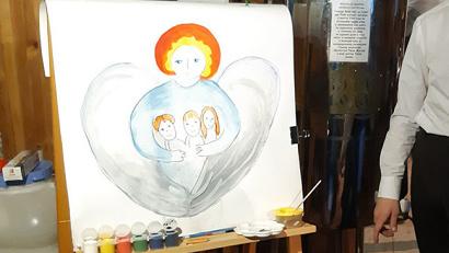 Главные цели мероприятия - привлечение внимания общества к вопросам семьи и детства, формирование у детей ценностных ориентиров на добро и мир