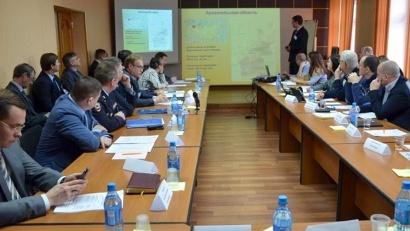 Международная дискуссия проходит в областном дорожном агентстве. Фото пресс-службы «Архавтодора»