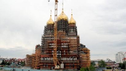 Собор строится в стиле русской храмовой архитектуры XX века