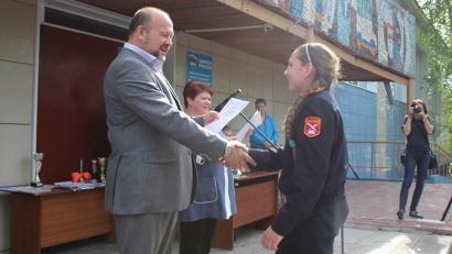 Игорь Орлов вручил грамоты лучшим ученикам