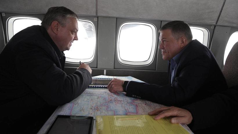 Алексей Алсуфьев и Олег Кувшинников анализируют обстановку на паводкоопасных территориях