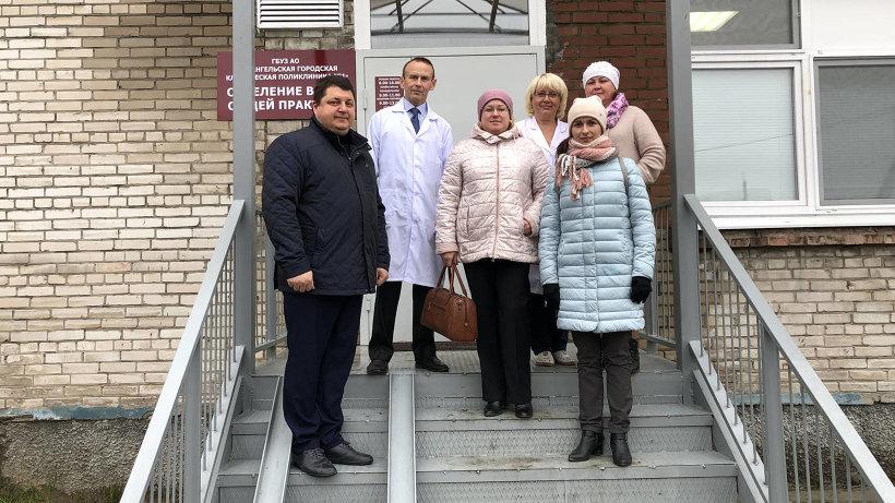 Новый офис посетили министр Антон Карпунов и администрация больницы