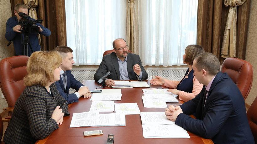 Рабочая встреча губернатора Игоря Орлова с главой Котласского района Татьяной Сергеевой состоялась в правительстве региона