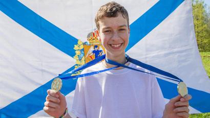 Максим Ломтев принес два «серебра» команде в номинации «игра на народных инструментах»