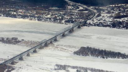 Одна из главных задач – защита автомобильного и железнодорожного мостов через Северную двину в районе Котласа