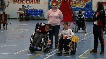 Более сорока участников из четырех муниципальных образований Архангельской области участвуют в чемпионате и первенстве региона по бочче