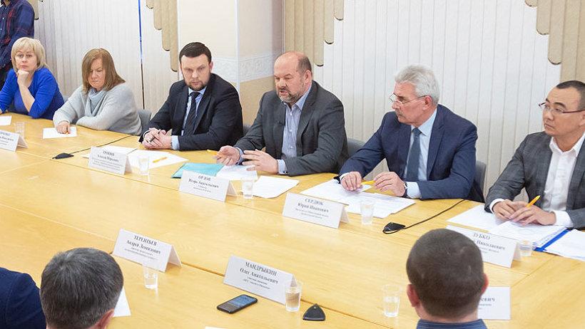 В ходе открытого диалога участники обсудили особенности перехода на новую систему обращения с отходами в регионе
