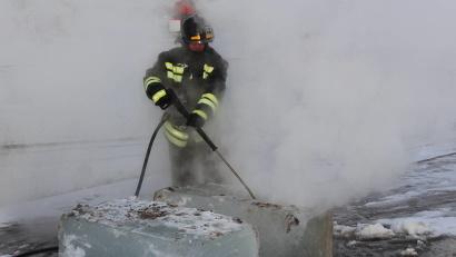 Демонстрация возможностей   установки, которую сами спасатели уже прозвали «арктическим комбайном»