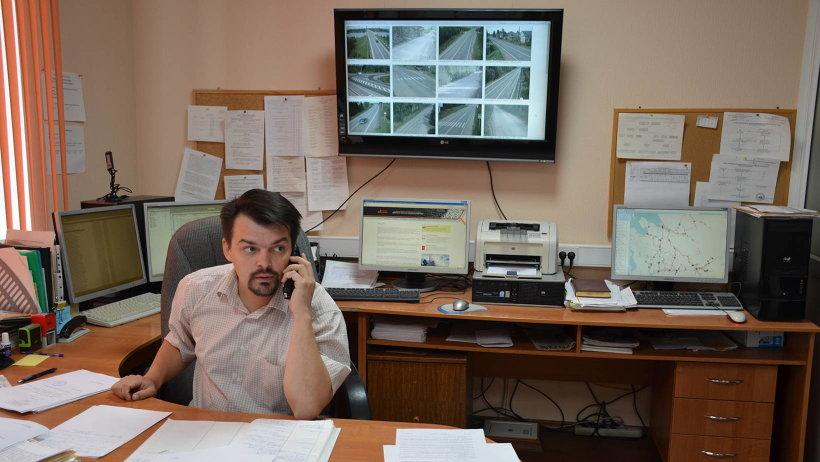 В центр управления движением дорожного агентства «Архангельскавтодор» можно звонить по мобильным номерам: 40-66-68 и 8-911-594-66-68