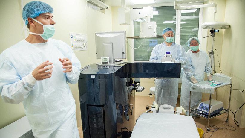 Уникальный лазер позволяет за несколько минут исправить зрение