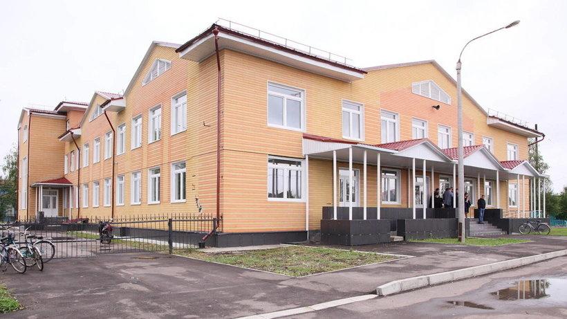 Центром развития села Ломоносово должно стать новое здание косторезного училища