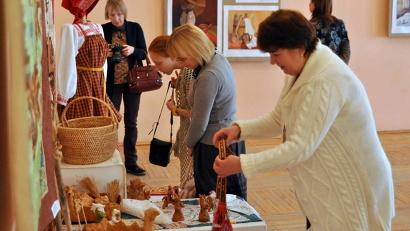 Лучшие работы юных мастеров представлены на экспозиции, которая открылась в Марфином доме