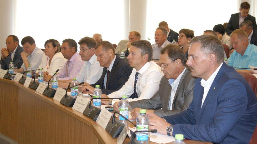 Представители правительства области и главы муниципальных образований обсудили широкий спектр задач, которые стоят перед властью