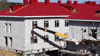 Новый дом для дошколят обеспечит полноценным образованием 220 малышей Яренска. Фото газеты «Маяк»