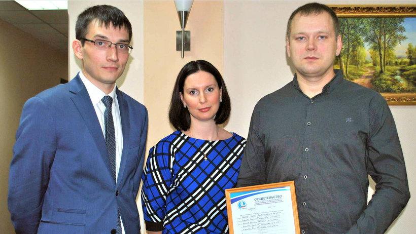 Многодетная семья Кузиловых из Новодвинска получила свидетельство на получение социальной выплаты при покупке жилья
