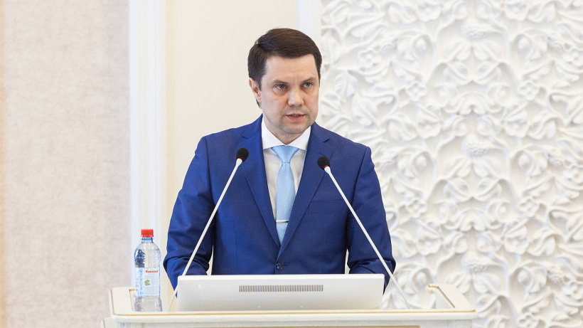 Отвечая на вопросы областных депутатов, Алексей Коротенков заострил внимание на главных задачах, стоящих перед отраслью сегодня