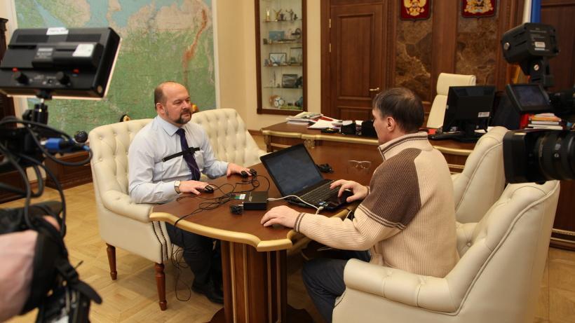 Съёмочная группа федерального телеканала «допрашивала» губернатора Архангельской области в течение полутора часов