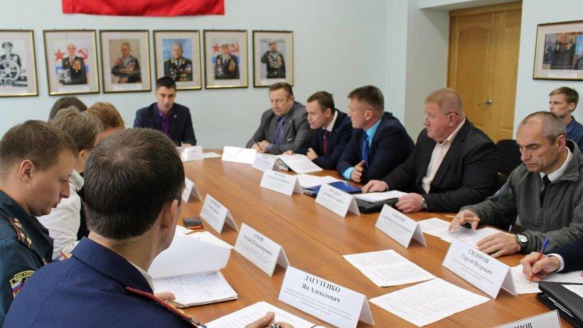 Участие в работе круглого стола приняли представители власти, силовых структур, образовательных учреждений, общественных организаций