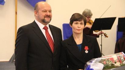Судовой изолировщик Елена Аверкиева награждена медалью ордена «За заслуги перед Отечеством» II степени