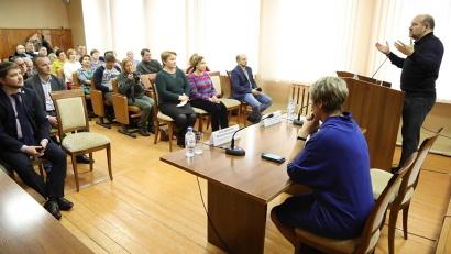 Глава региона рассказал жителям Каргополя о новой системе обращения с твердыми коммунальными отходами, внедряемой на территории Архангельской области