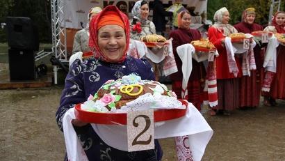 В номинации «Современный каравай» диплома удостоен каравай «Свадебный», изготовленный мастерами Ириной Носковой и Алексеем Смирновым