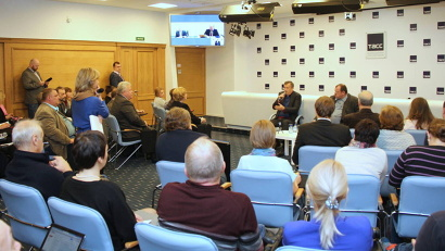 В петербургской студии собрались журналисты из Калининграда, Республики Коми и Карелии, Вологодской, Псковской и Архангельской областей