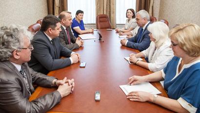 Во встрече губернатора с руководителем Федерального медико-биологического агентства приняли участие члены правительства региона