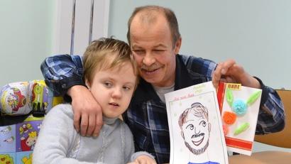 Рисунки ребят наполнены любовью к папам и дедушкам