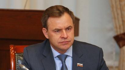 Председатель областного Собрания депутатов Виктор Новожилов