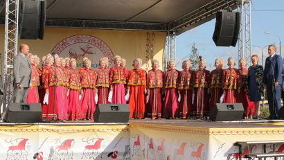 Семнадцатой по счёту Маргаритинке дал старт гимн Архангельской области, прозвучавший в исполнении Северного русского народного хора