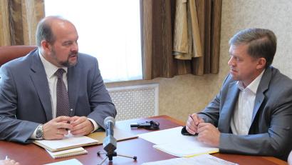 Глава района Андрей Егоров доложил губернатору о ходе расселения аварийного жилфонда