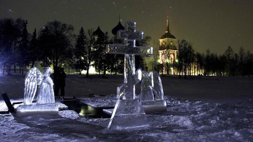 Кульминацией «Хрустальных звонов» станет необыкновенный ночной колокольный концерт и купание в крещенской купели